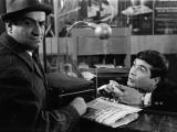 Louis de Funès and Jean-Claude Brialy: Le Diable et Les Dix Commandements, 1962 Impressão fotográfica por  Limot