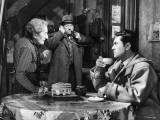 Robert Hirsch, Jean Gabin and Gabrielle Fontan: Maigret et L'Affaire Saint Fiacre, 1959 Fotoprint av Marcel Dole