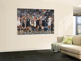 San Antonio Spurs v Memphis Grizzlies - Game Four, Memphis, TN - APRIL 25: Manu Ginobili and Tony P Vægplakat af Joe Murphy