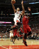 Miami Heat v Chicago Bulls - Game Five, Chicago, IL - MAY 26: Derrick Rose and Dwyane Wade Foto af Jonathan Daniel
