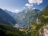 Cruise Ships, Geirangerfjord, Western Fjords, Norway Fotografie-Druck von Peter Adams