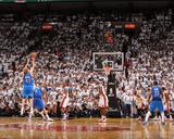 Dallas Mavericks v Miami Heat - Game Two, Miami, FL - JUNE 2: Dirk Nowitzki, Tyson Chandler and Chr Foto von Andrew Bernstein