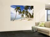 Palm Trees on Beach Veggmaleri av Greg Johnston