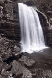 Looking Glass Falls North Carolina BW Fotografie-Druck von Steve Gadomski