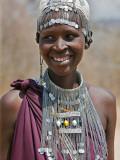 A Maasai Girl from the Kisongo Clan Wearing an Attractive Beaded Headband and Necklace Lámina fotográfica por Nigel Pavitt