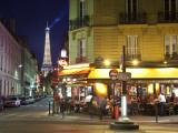 Eiffel Tower and Cafe on Boulevard De La Tour Maubourg, Paris, France Fotografie-Druck von Jon Arnold