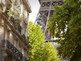 Eiffel Tower, Paris, France Lámina fotográfica por Jon Arnold