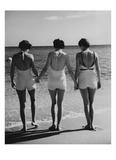 Vogue - May 1935 - Hand-in-Hand Impressão fotográfica premium por Toni Frissell