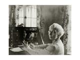 Vanity Fair - December 1932 Premium-Fotodruck von Florence Vandamm