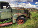 Old Mining Truck Rusts in a Field at the Atlas Coal Mine Fotoprint av Pete Ryan