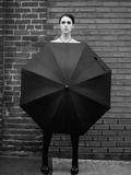 Woman Holding Umbrella Fotografisk tryk af Elisa Lazo De Valdez