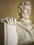 Detail of Lincoln Statue at Lincoln Memorial Fotografisk trykk av Rudy Sulgan