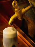 Beer on Tap at the Schlenkerla Brewery Fotografisk tryk af Bruno Ehrs