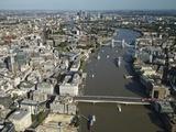 Thames River and London Fotografie-Druck von Jason Hawkes