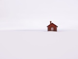 Red Wooden House Surrounded by Snow Fotografisk tryk af Bruno Ehrs