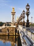 Pont Alexandre-III and Dome des Invalides over Seine river Reproduction photographique par Rudy Sulgan