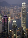 Hong Kong skyline and Victoria Harbor at night Fotografie-Druck von Tibor Bognár