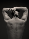 Rear View of a Male Stretching His Arm Behind His Head Reproduction photographique Premium par Sung-Il Kim