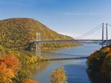 Bear Mountain Bridge spanning the Hudson River Fotografisk trykk av Rudy Sulgan