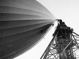 Hindenburg Attached To A Mooring Mast Fotografisk trykk av  Bettmann