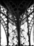 Leg of Eiffel Tower 写真プリント : ベス A. ケイザー