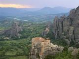 UNESCO World Heritage Site in Meteora, Greece Impressão fotográfica por David Ball