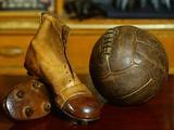 1900s Soccer Ball and Boots Fotografie-Druck von S. Vannini