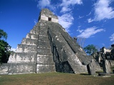 Pyramid at Tikal Reproduction photographique par Alison Wright