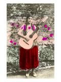 Señorita jouant de la guitare Affiches