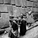 Peru: Fashion Model, 1950S Fotografisk tryk af Toni Frissell