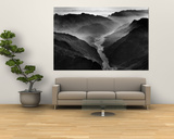 "The Yangtze River Passing Through the Wushan, or ""Magic Mountain"", Gorge in Szechwan Province ポスター : ドミトリ・ケッセル"