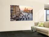 Kleine Gondelflotte am frühen Abend auf dem Weg zur Chiesa Di Santa Maria Della Salute  Kunstdruck von Christopher Groenhout