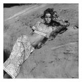 Vogue - June 1968 - Veruschka Baring her Midriff Premium Photographic Print by Franco Rubartelli