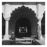 Vogue - June 1944 - Men at The Red Fort Reproduction photographique Premium par Cecil Beaton