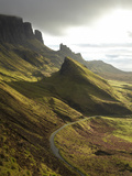 Road Ascending the Quiraing, Isle of Skye, Scotland Reproduction photographique Premium par David Wall
