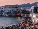 Little Venice, Mykonos Town, Chora, Mykonos, Cyclades, Greek Islands, Greece, Europe Fotografisk tryk af Sergio Pitamitz