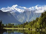 Lake Matheson, Mount Tasman and Mount Cook, Westland Tai Poutini National Park, New Zealand Fotografie-Druck von Jochen Schlenker