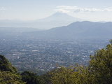 San Salvador City and Volcan De San Vincent (Chichontepec), 2182M, San Salvador, El Salvador Fotografisk tryk af Christian Kober