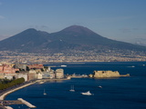 Cityscape Including Castel Dell Ovo and Mount Vesuvius, Naples, Campania, Italy, Europe Reproduction photographique par Charles Bowman