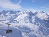 Rufikopf Cable Car, Stubenbach, Lech, Near St. Anton Am Arlberg, in Winter Snow, Austrian Alps Reproduction photographique par Peter Barritt