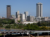 Nairobi Skyline From Uhuru Park, Nairobi, Kenya, East Africa, Africa Reproduction photographique par Charles Bowman
