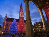 City Hall, Grand Place, UNESCO World Heritage Site, at Christmas Time, Brussels, Belgium, Europe Impressão fotográfica por Marco Cristofori
