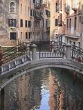 A Quiet Canal, Venice, UNESCO World Heritage Site, Veneto, Italy, Europe Fotografisk trykk av Amanda Hall