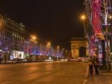 Champs Elysees at Christmas Time, Paris, France, Europe Impressão fotográfica por Marco Cristofori