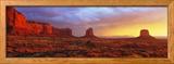 Sunrise, Monument Valley, Arizona, USA Gerahmter Fotografie-Druck