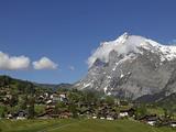 Grindelwald and Wetterhorn, Bernese Oberland, Swiss Alps, Switzerland, Europe Impressão fotográfica por Hans Peter Merten