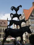 Bronze Statue of Town Musicians of Bremen, Bremen, Germany, Europe Impressão fotográfica por Hans Peter Merten