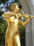 Johann Strauss Statue at Stadtpark, Vienna, Austria, Europe Impressão fotográfica por Hans Peter Merten