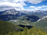 View from Sulphur Mountain to Banff, Banff National Park, UNESCO World Heritage Site, Alberta, Rock Impressão fotográfica por Hans Peter Merten