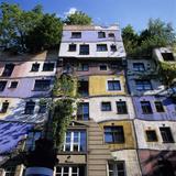 Hundertwasserhaus (Antitraditional Architecture), Vienna, Austria, Europe Fotografie-Druck von Stuart Black